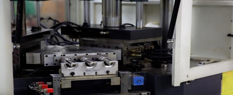 تصنيع بطرق الحقن والنفخ والحقن نفخ و PET